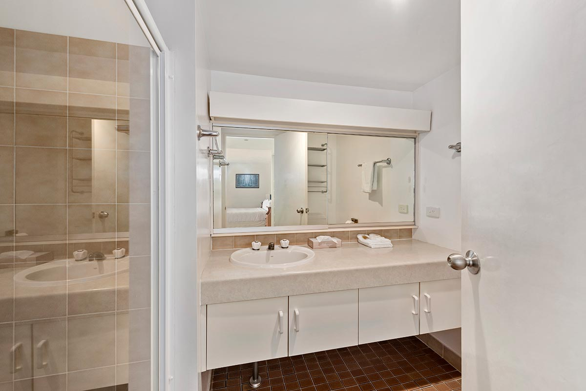 3bed-604-acommodation-coffs-harbour8