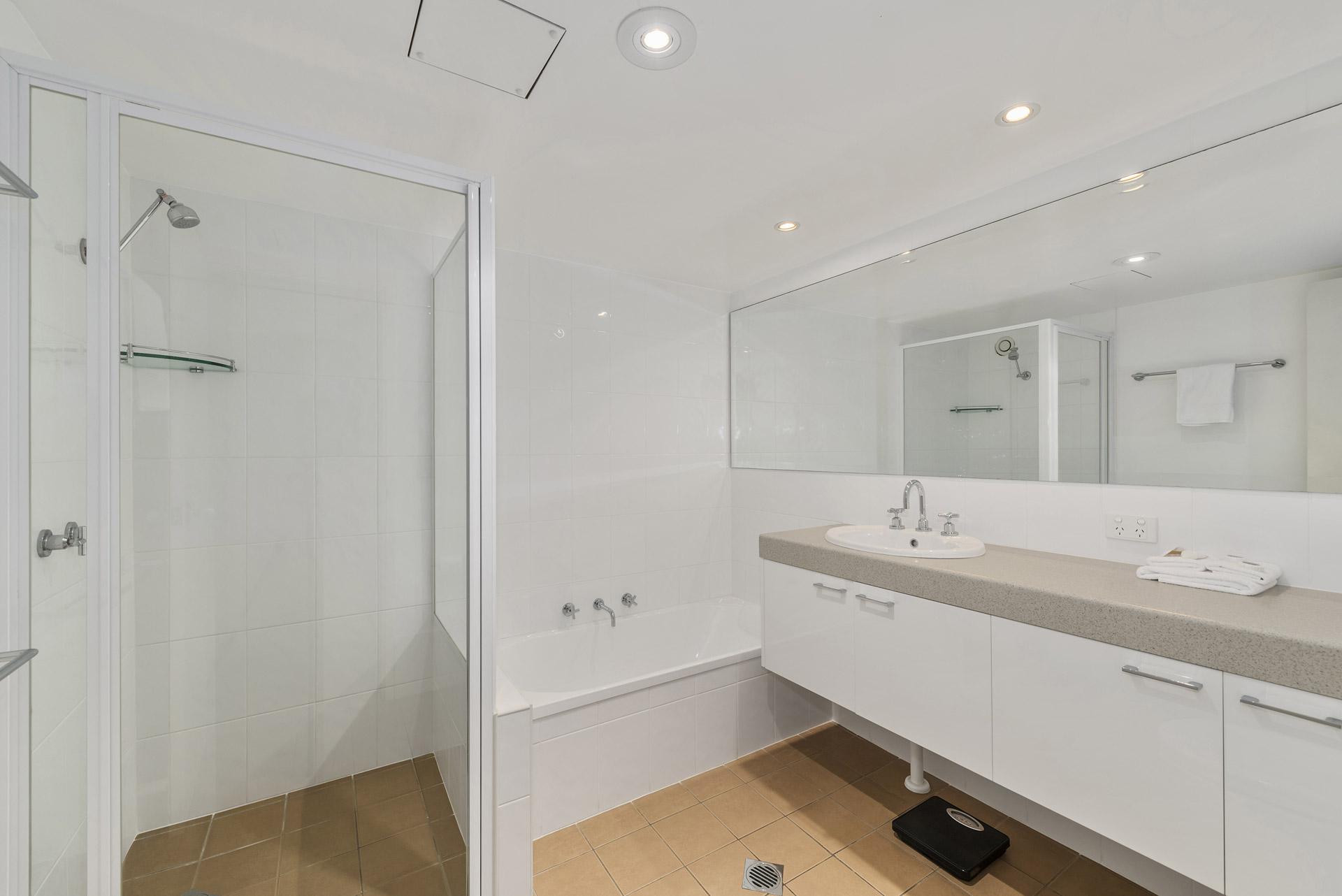 2-bedroom-premium-ocean-view-apartments-1602-07