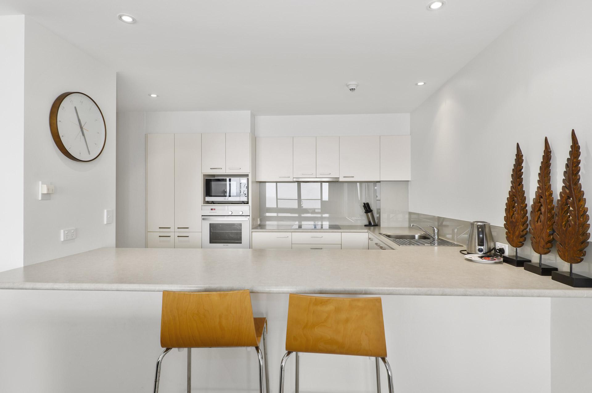 2-bedroom-premium-ocean-view-apartments-1602-11