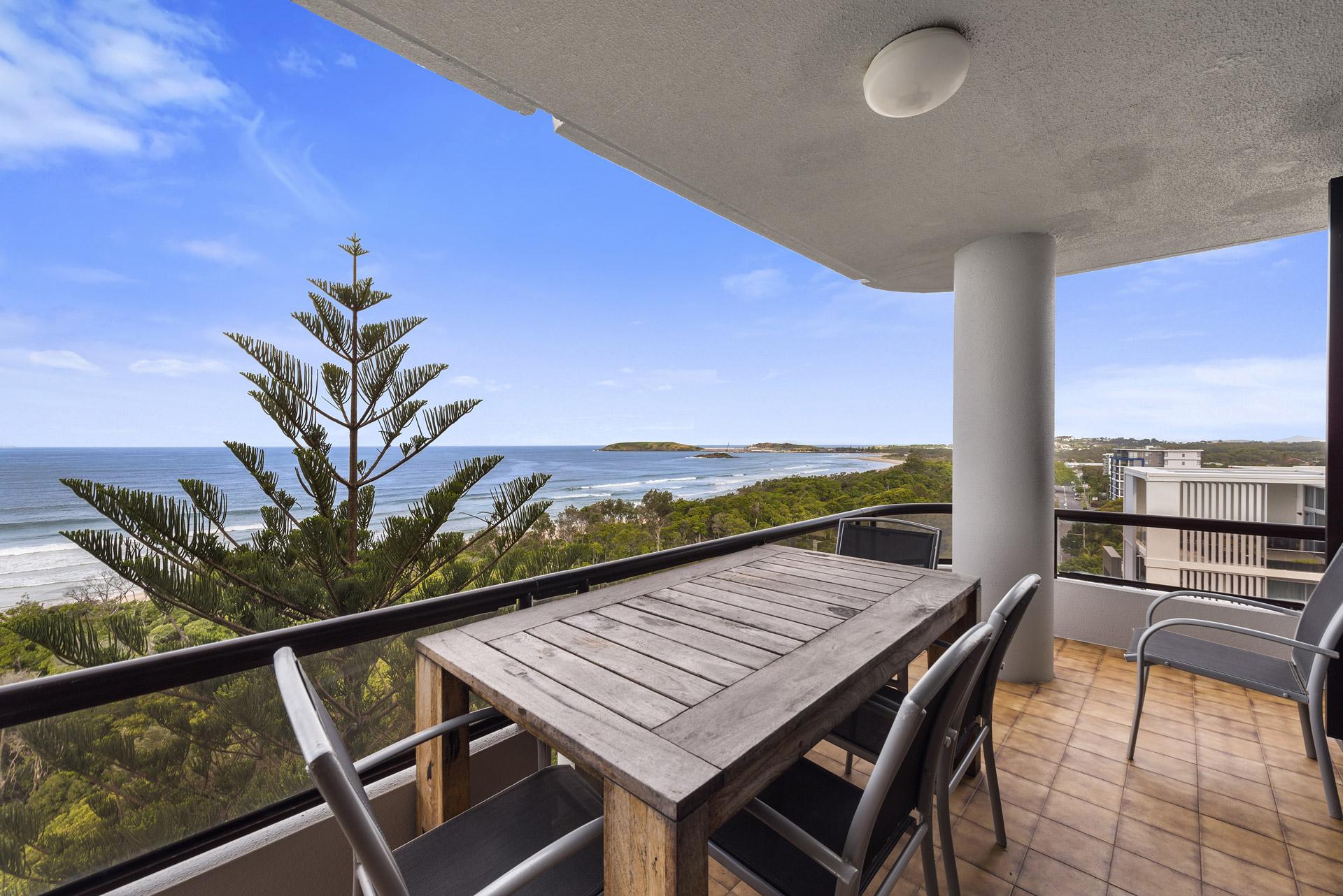 2-bedroom-premium-ocean-view-apartments-1203-03