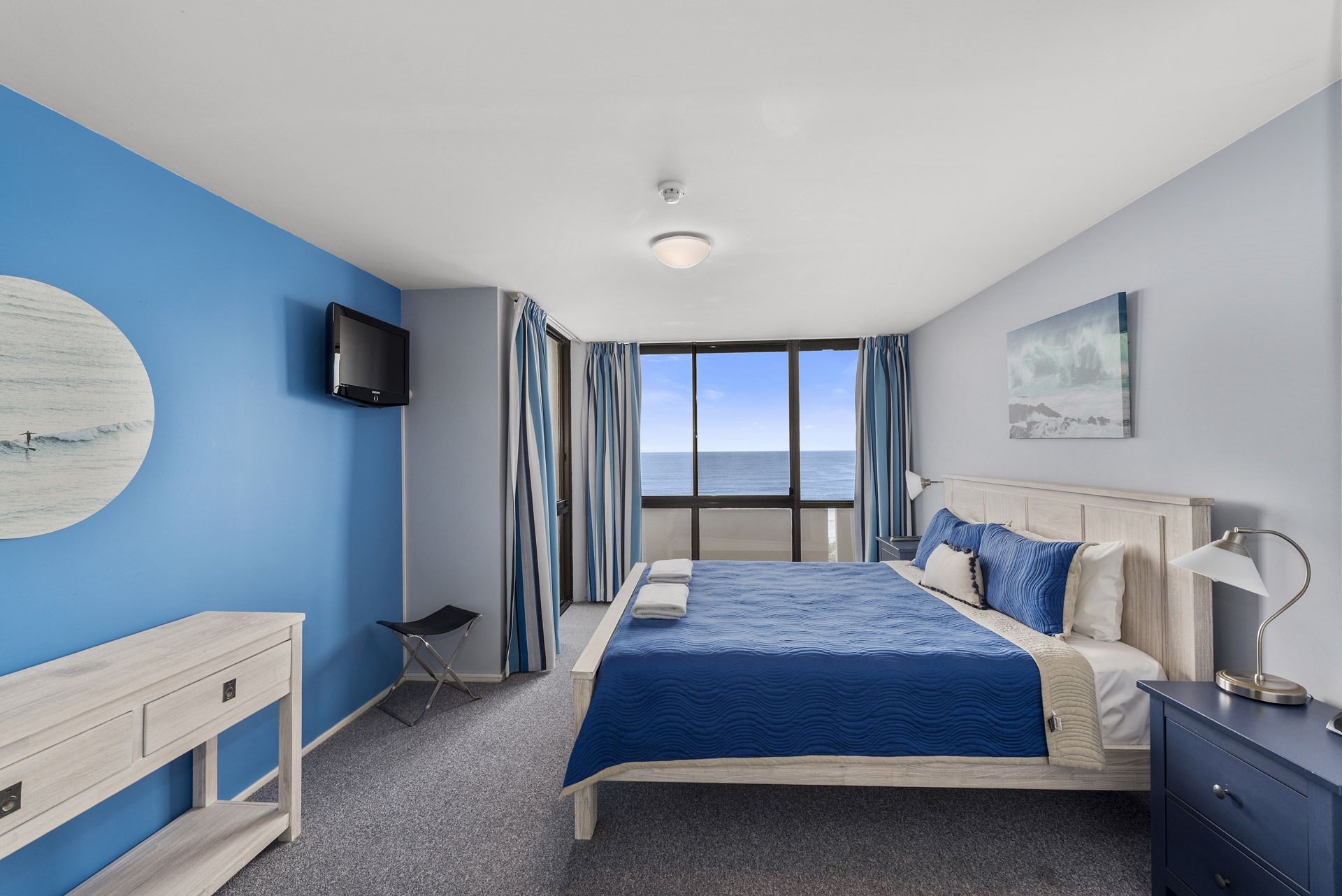 2-bedroom-premium-ocean-view-apartments-1203-04