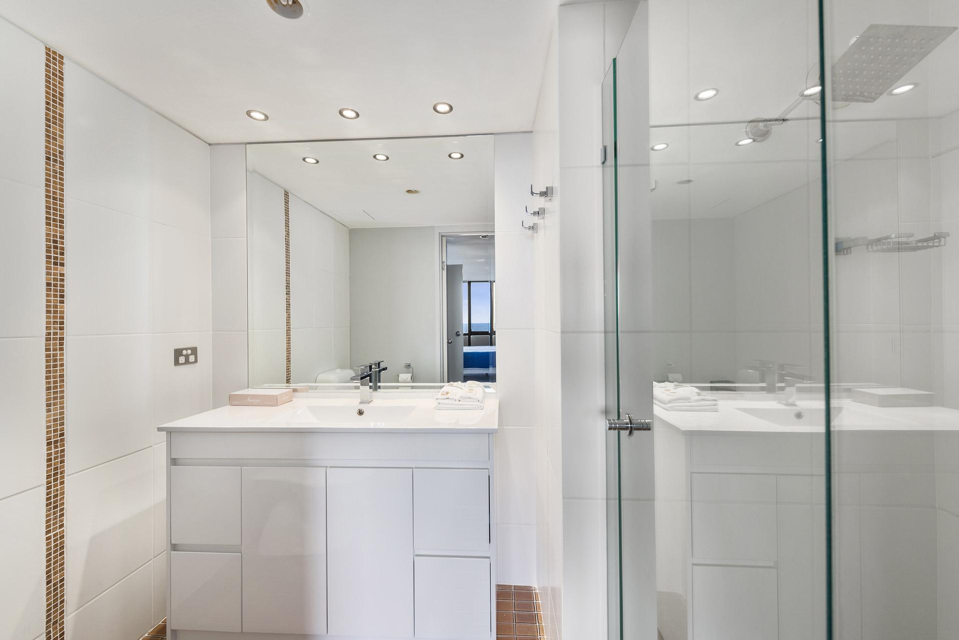 2-bedroom-premium-ocean-view-apartments-1203-11